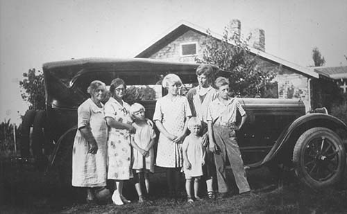 1920 Neihardt family in Branson, Mo.